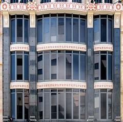 Barcelona - Pelai 054 h (Arnim Schulz) Tags: barcelona espaa art window architecture liberty ventana spain arquitectura arte fenster kunst catalonia finestra artnouveau gaud architektur catalunya espagne fentre modernismo catalua spanien modernisme jugendstil espanya katalonien stilefloreale belleepoque baukunst