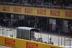 Sebastian Vettel vuelve a pie a su box tras abandonar en clasificacin (- Javi -) Tags: barcelona red espaa india de 1 force sebastian lotus f1 ferrari bull mclaren formula sauber gran caterham premio montmel gp2 gp3 vettel marussia