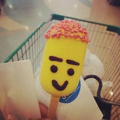 like i smile ,, หิวน้ำ ขอตังแม่ซื้อชาร้อน... #แม่ร้องไห้ทำไม #ถ่ายรูปสวยๆพอเป็นพิธี