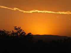 Atardecer (facundoroca) Tags: naturaleza sun sol argentina arbol atardecer cordoba fujifilm naranja nube