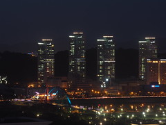 Smart City Apartments-Expo Bridge-Night-Daejeon-South Korea (mikemellinger) Tags: city roof rooftop night buildings lights evening asia apartments cityscape dusk korea busy magnolia southkorea crowded daejeon magnoliabuilding dunsandong taejon officetel smartcity expobridge hanbatarboretum
