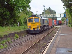 66532 hauls the Basford Hall - Felixstowe Freightliner through Trimley, towards the spur. 28 05 2014 (pnb511) Tags: uk station rural train suffolk railway trains shipping freight containers freightliner class66 intermodal trimley felixstowebranch