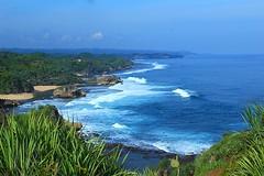 Pantai Kukup (anwarsiak***sibuk***) Tags: java diy air laut jogja jawa pantai biru pasir kukup karang pantaikukup