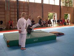 "zomerspelen 2013 karate clinic • <a style=""font-size:0.8em;"" href=""http://www.flickr.com/photos/125345099@N08/14403868541/"" target=""_blank"">View on Flickr</a>"