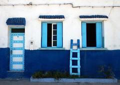 No 18 [EXPLORE 2014-07-20] (pix-4-2-day) Tags: haus hausfassade house front door window blue white haustür fenster blau weis leiter ladder funny fun lustig fensterläden pix42day explore explored