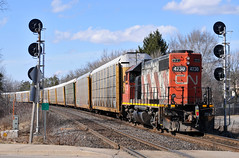 A little help from 580 (Jämes Gardiner) Tags: cn 4730 brantford hardy