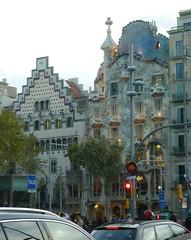 Casa Amatller and Casa Batlló, Barcelona (Johanna Mason) Tags: spain barcelona casaamatller casabatlló casabatllo amatller batlló batllo gaudí gaudi puig unesco unescoworldheritagesite worldheritagesite