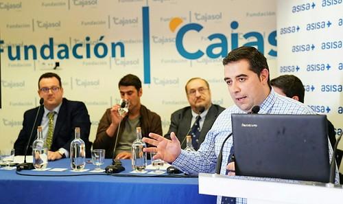 Aula de Salud sobre 'Fracturas dorsales en accidentes de tráfico' desde la Fundación Cajasol en Cádiz (4)