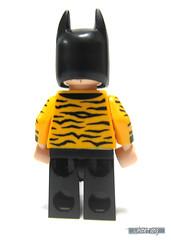 Back view of Tiger Tuxedo Batman (WhiteFang (Eurobricks)) Tags: lego batman movie review polybag cat costume tuxedo print pod case suit outfit colour colourful coat hero superhero dc comic
