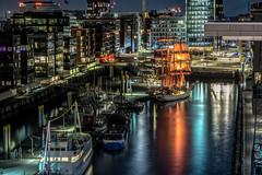 Lichter der Nacht (pefknipse) Tags: hafen schiffe hamburg lichter pentax da70mmf24limited nachts elbphilharmonie spiegelungen