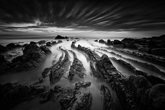 Dragon (JD Photographie.) Tags: barrika beach sand playa spain seascape lines rocks sky long exposure europe coast filter nd gnd grad lee bizkaia