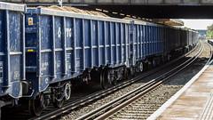 JNA 81 70 5500 314-6 (JOHN BRACE) Tags: jna 81 70 5500 3146 vtg blue livery passing horley 1321 loaded sand train from cliffe brett marine crawley foster yeoman running 5 early