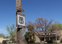 078/365 (Get Your Kicks on) Route 66 (Helen Orozco) Tags: 2017365 chuckberry route66 getyourkicks rip highway sign historic pre1937 song tribute canonrebelsl1