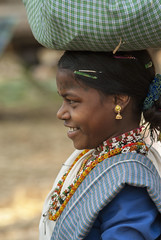 Baiga girl on Chilpi market (wietsej) Tags: baiga girl chilpi market maikal hills chhattisgarh india sony a100 zeiss 135 18 sal135f18z wietsejongsma bhoramdeo