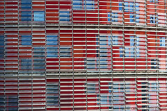 Torre Agbar_02 (yogidan2012) Tags: barcellona spagna torre tower agbar windows finestre ventanas architettura architecture arquitectura rossoblu redblue rojoazul moderno style building