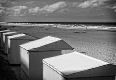 peaceful (travelben) Tags: middelkerke flandreoccidentale belgium nb paysage mer nord zee north sea beach bw landscape europe eu plage west flanders noord vlanderen belgïe sigma panasonic m43 sunny light