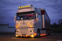 DAF XF105 SSC - Dadus (PL) (Michał Szczerbowski) Tags: daf xf105 ssc dadus transport logistyka naczepa firanka tuning spotkanie sesja noc