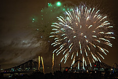 C58R3931 (Nick Kozub) Tags: big bang fireworks canada loto quebec international competition 2016 canon eos 1dx ef 85 f12 ii l usm explosive projectile burst water jackson pollock nocturnal night reflection festival la ronde summer the wild west
