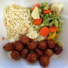 Square meal: Sweet & sour meatballs with rice pilaf and veggies (Coyoty) Tags: cornercafe tunxiscommunitycollege farmington connecticut ct college cafe food square meal sweet sour meatballs meat balls spheres rice pilaf ricepilaf veggies vegetables colors brown white orange green squareformat broccoli carrots cauliflower squash red barbecue bbq sauce round yellow obligatory ogt ort owf oyt oot sometimessavory