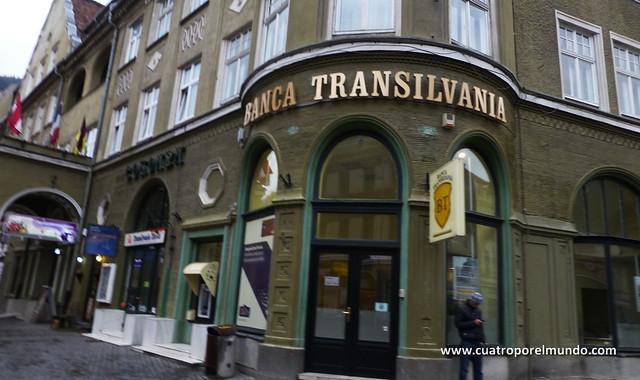 """Nos hace gracia lo de """"Banca Transilvania"""""""