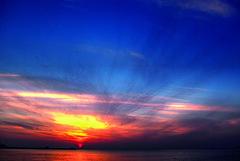 Consuntrated sunset :) (Azarbhaijaan) Tags: blue sunset sea sky water yellow colours pentax kuwait lovely baghdadi pentaxk10d azharmunir drpanga