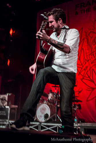 Frank Turner & The Sleeping Souls (14 of 49)