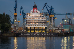 (MaasPhotography) Tags: morning haven sunrise canon eos boat office ship d spiegel hamburg 650 hafen sonnenaufgang bro morgens 650d