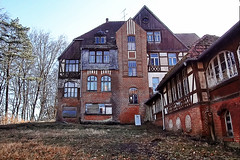 Heilstätten Hohenlychen (a_tourist_on_planet_earth) Tags: abandoned hospital ruins ruine urbanexploration sight brandenburg urbex himmler lostplace nsdap hohenlychen heilstätten tuberkolose heilstaette kurkrankenhaus