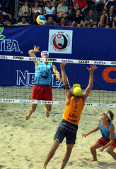 9749-fotogalerie-rv.ch (Robi33) Tags: show summer game sport ball court switzerland sand play action competition basel victory player beachvolleyball international block umpire viewers