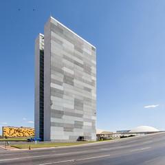 National Congress, Tower - Oscar Niemeyer - Brasilia (Scott Norsworthy) Tags: brazil tower niemeyer architecture modern oscar modernism parliament capitol congress national federal brasilia