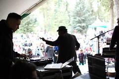 Festival Workshop @ Prince's Island Park. 2014 Calgary Folk Music Festival. (Calgary Folk Festival) Tags: canada calgary festival photo audience crowd workshop alberta friday calgaryfolkmusicfestival musicfestival cfmf princesislandpark 2014 festivalgoer frankyamma dougcallow atribecalledred