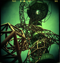ArcelorMittal Orbit (pho-Tony) Tags: park italy milan color colour london 120 film analog mediumformat iso100 lomo xpro lomography italian mod fuji elizabeth cross crossprocess milano shift ishootfilm queen velvia cast orbital roll medium format 24 analogue olympic hack olympics process kapoor fujichrome e6 anish glitch orbit 2012 koroll helterskelter colorcast london2012 colourcast arcelor c41 iso50 bencini mittal tetenal korroll bencinikoroll24 arcelormittal arcelormittalorbit queenelizabetholympicpark