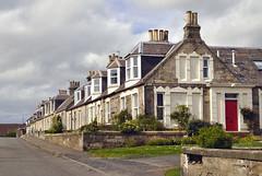 Pittenweem - Vicinato scozzese (Celeste Messina) Tags: scozia scotland scozzese scottish case houses home house tipico typical camini street strada via villette cottage chimneys comignoli fife pittenweem