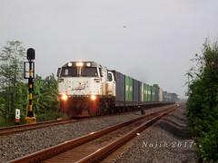 30 Gerbong penuh. (Najih 99s) Tags: keretaapibarang keretaapi kakontainer containertrain freighttrain rail train