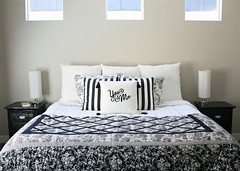 iron-on-graphic-pillow-cover-1 (dearlinks) Tags: diy beautiful lavish trends creative home decoration improvement designs projects ideas plans tips inspiration
