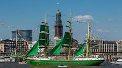 Hamburg Hafengeburtstag (dirk.sulima) Tags: hamburg hafen hafengeburtstag alexander von humbold ii becks michel michaeliskirche landungsbrcken st pauli