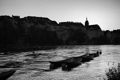 ((c)gphoto) Tags: basel switzerland schweiz rhein river water afternoon sunshine sunset people faces man woman girls music musicians children dogs bycicles naptime friday weekend blackandwhite photos images photography silverefex canoneos6d