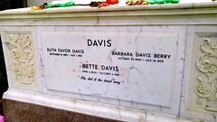 Bette Davis sarcophagus (mercycube) Tags: bettedavis grave kisses tomb sarcophagus feud forestlawnhollywoodhills joancrawford whateverhappenedtobabyjane deadringer nowvoyager