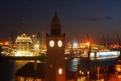 Nachtschicht (Lilongwe2007) Tags: hamburg werft schiffe hafen pegelturm landungsbrücken kreuzfahrtschiff regal princess industrie deutschland