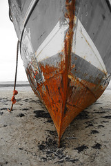 The Bow (late Breaks Devon) Tags: rust bow boat ship sand abandon abandoned rope beach neglect north devon