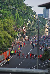 CFD Tunjungan (Everyone Sinks Starco (using album)) Tags: surabaya eastjava jawatimur jalan street