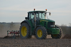 John Deere 7530 Tractor with a Kverneland CLC Grubber (Shane Casey CK25) Tags: john deere 7530 tractor kverneland clc grubber jd green fermoy sow sowing set setting drill drilling tillage till tilling plant planting crop crops cereal cereals county cork ireland irish farm farmer farming agri agriculture contractor field ground soil dirt earth dust work working horse power horsepower hp pull pulling machine machinery grow growing nikon d7100 tracteur traktor traktori trekker trator ciągnik spring barley