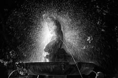 Take a shower (Salva Pagès) Tags: blancoynegro blancinegre blackandwhite blancetnoir bw dutxa ducha shower estatua statue sunset backlight contrallum contraluz aigua agua water font fuente fountain
