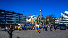17.5.2014 Lauantai, keskipäivä  -  Saturday, noon  Turku  -  Finland (rkp11) Tags: plaza primavera finland square spring turku nieve may saturday mercado neve neige highnoon noon markt tori mercato marché printemps saturdaymorning frühling marketsquare rynek vår 市場 wiosna 2014 春 åbo soko весна aamu toukokuu schneeregen 市场 aguanieve рынок みぞれ lauantaiaamu turunkauppatori турку keskipäivä nevischio aamupäivä neigefondue marknadens מאַרק tårget рынак lightroom5 тржиште suuqa мокрыйснег lumia1020 kauppatoriturku дождьсоснегом ледянаякорка 1752014
