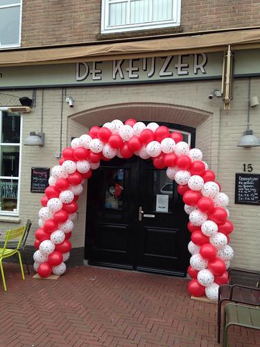 Ballonboog 6m 80e verjaardag oma Afrojack in Cafe de Keijzer Spijkenisse