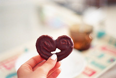 chocolate heart (Awkwardest. ) Tags: red food green film lomography minolta tea bokeh chocolate iso negative 17 100 x370