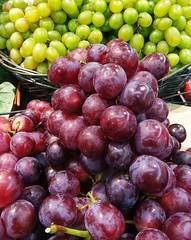 Grapes (margalice) Tags: summer color macro nature fruit fruta grapes uvas margalice