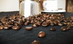 Coffee Beans with coffee pot (Paper of Light) Tags: cup coffee set beans seeds pot maker