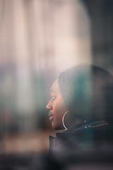 def silhouette 18  (1 sur 1) (west elsa) Tags: défense portrait reflet femme urbain canon