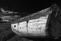 (Jacques Isner) Tags: barque ruine cimetièredebateaux iledenoirmoutier pentax pentaxk5 pentaxart pentaxflickraward noiretblanc